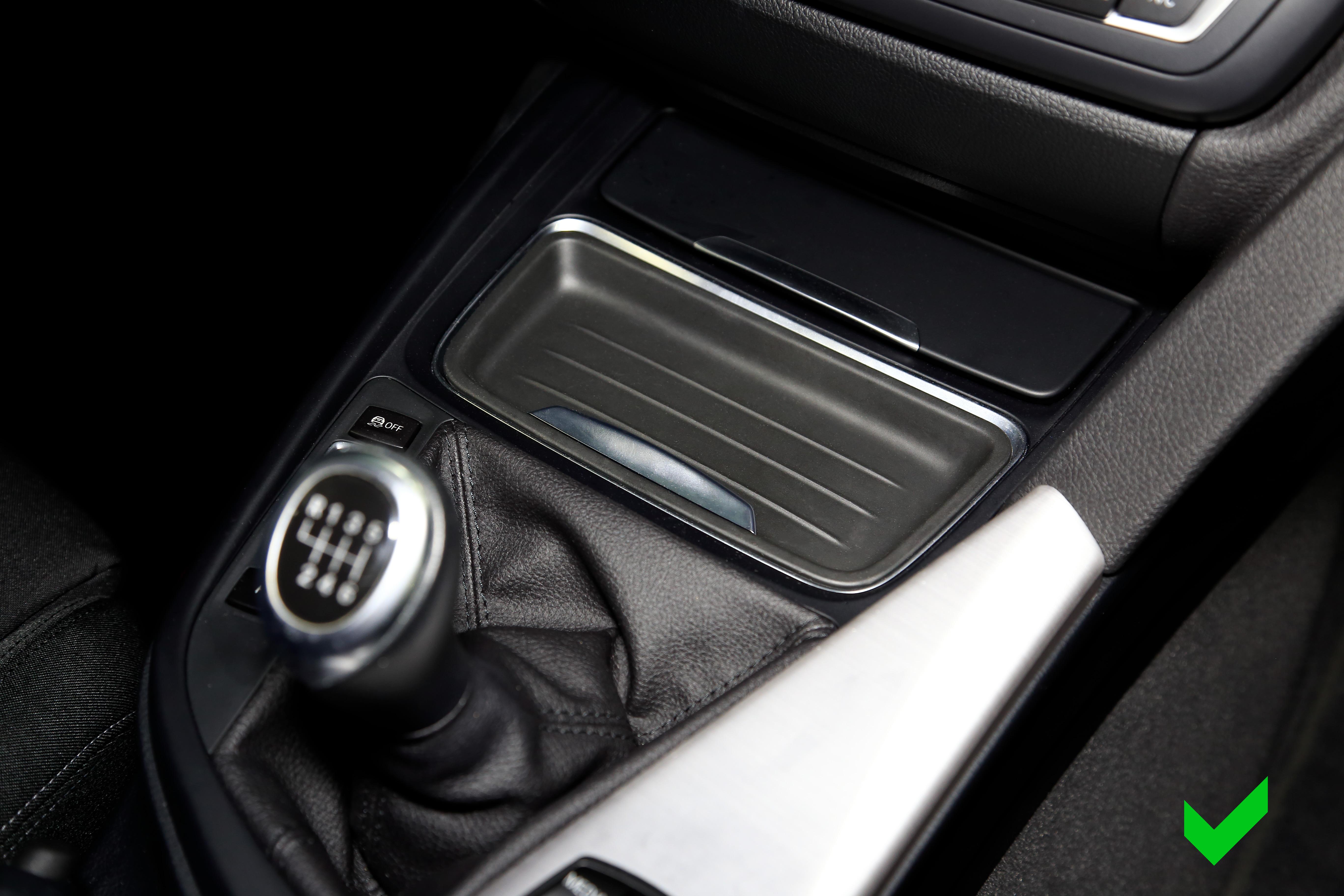 Nur für BMW Modelle mit diesem Ablagefach