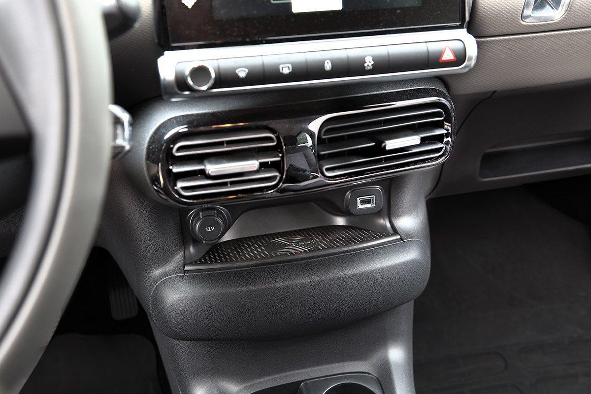 Smartphone induktiv laden im Citroen C4 Cactus