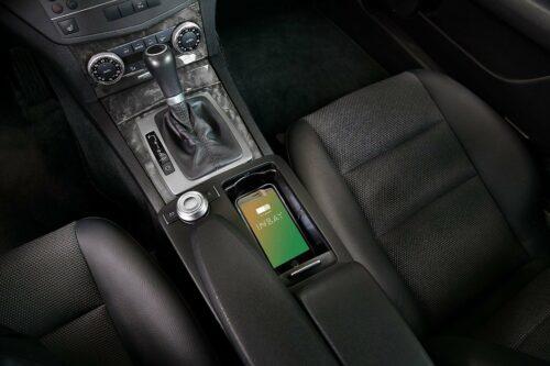INBAY induktive Ladeschale für Smartphones in Mercedes C-Klasse