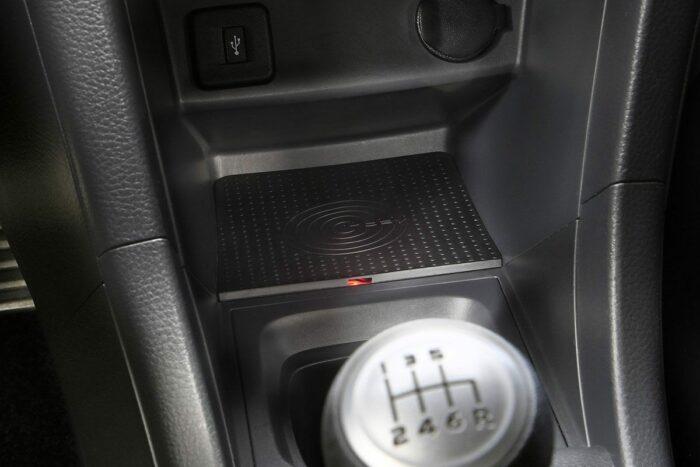 Kabellose Ladeschale für den Suzuki Swift