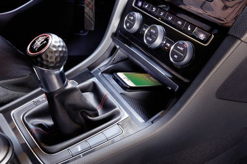 Wireless charging in your VW Golf Mk7.