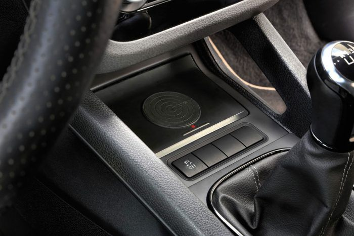 Kabellos Laden im VW Scirocco 3