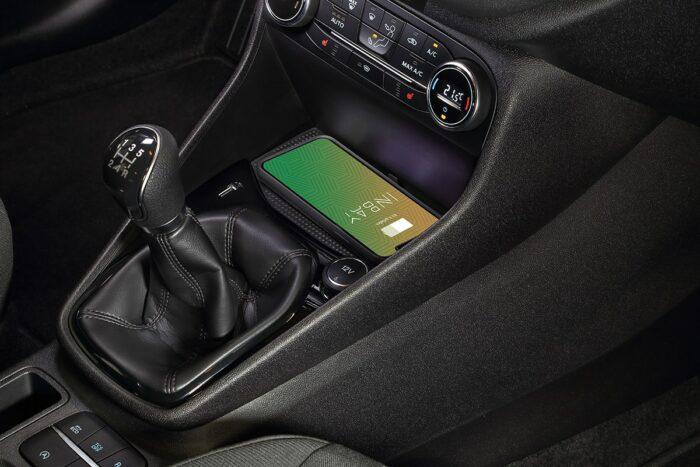 Smartphone kabellos Laden im Ford Fiesta